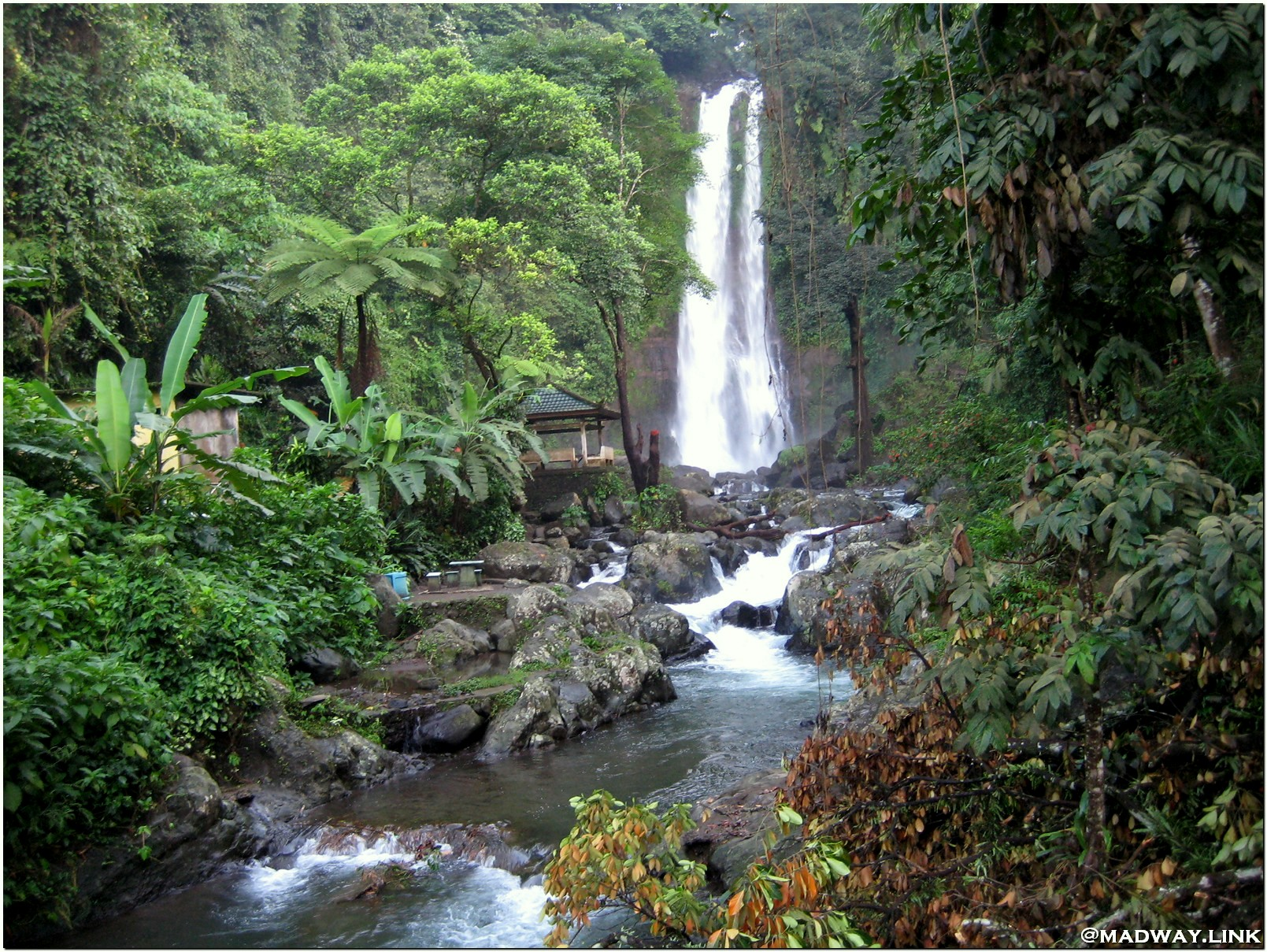 Водопад Гит-Гит Бали фото